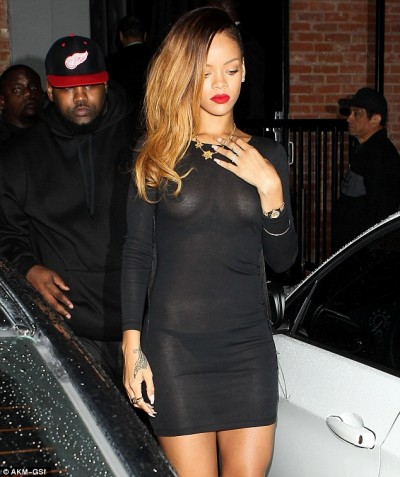 rihannas-see-through-dress-400x477